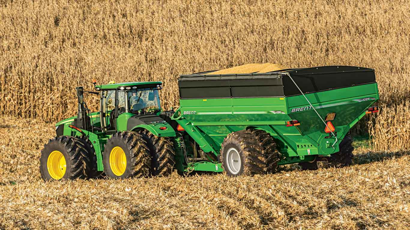 4wd-Track-Tractors image